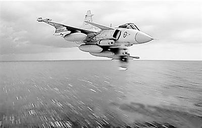 """美海军ea-18g""""咆哮者""""电子战飞机"""