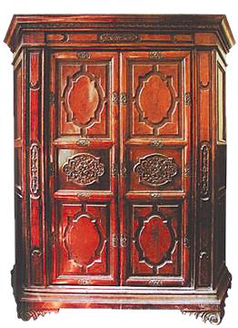 具有巴洛克式风格的民国大衣柜
