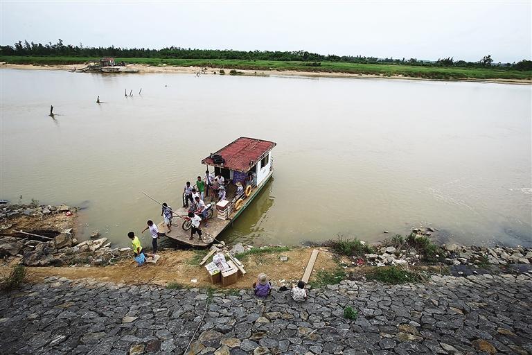 澄迈瑞溪镇南渡江边的金安渡口. 本版图片均由记者 张茂 摄