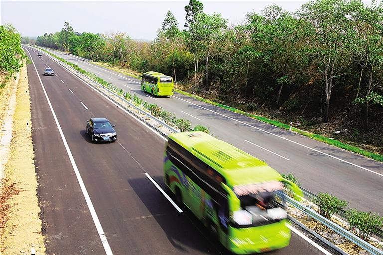 海南日报数字报-环岛高速西线段改建完工通车