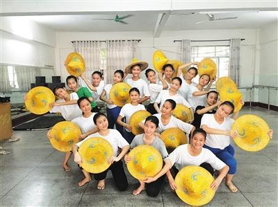 儋州第五中学舞蹈队. 郭景水 摄-海南日报数字报 艺术教育让校园活跃图片