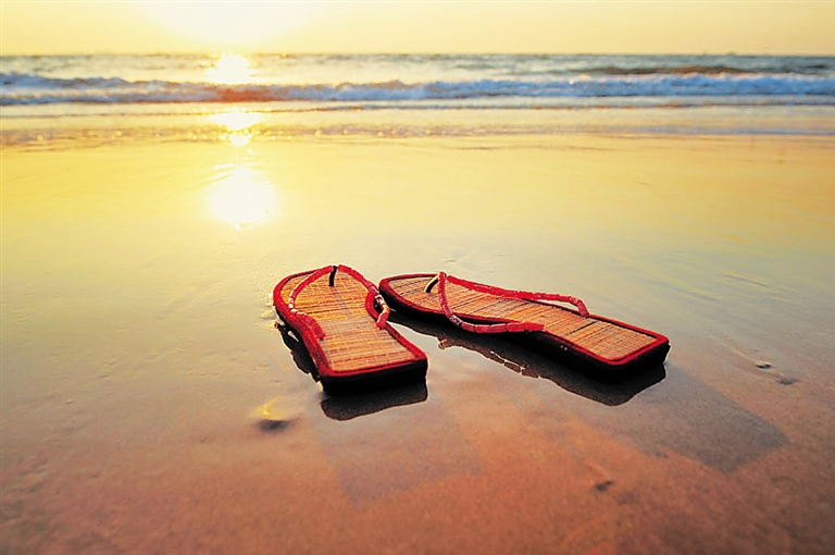 人字拖:让双脚享受海岛阳光
