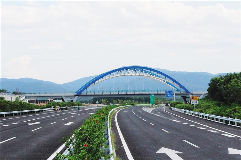 海南日报数字报-屯琼高速公路建成通车 br> 琼乐高速
