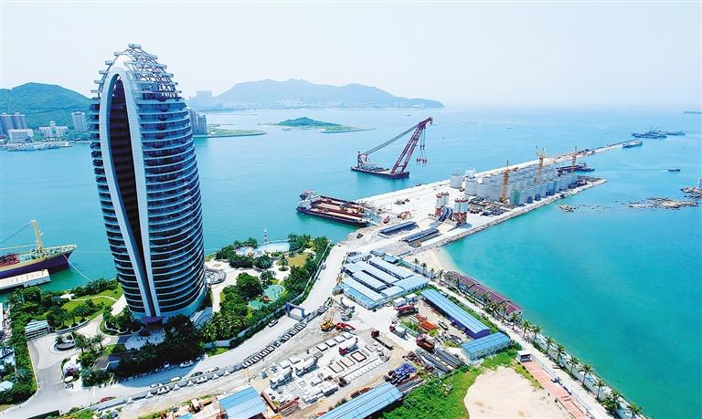 海南日报数字报-凤凰岛国际邮轮港建设快速推进