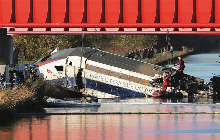 法国脱轨高铁受伤者中