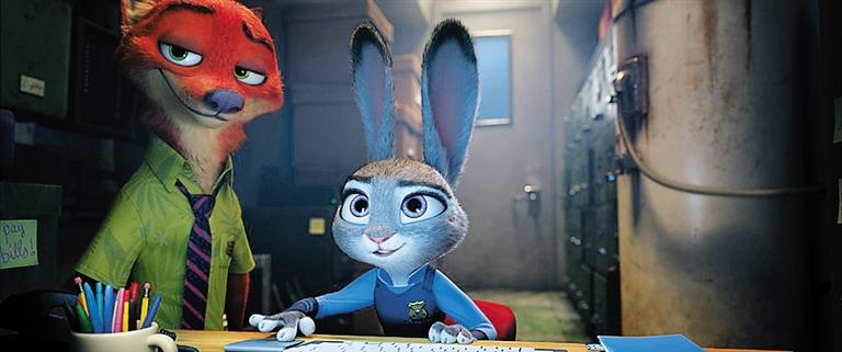 《疯狂动物城》中的狐狸尼克(左)和兔子朱迪