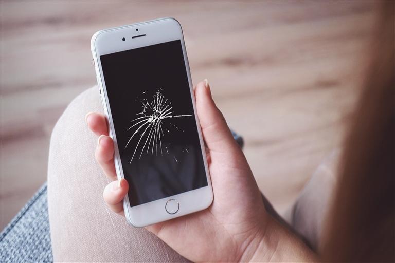 苹果手机屏幕碎裂壁纸