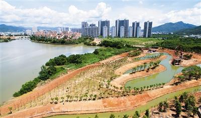 据了解,红树林生态公园工程建设主要包括河道整治,红树林补种,园林