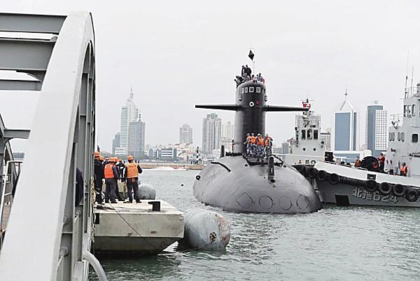 首艘装备锂电潜艇_我国首艘核潜艇退役