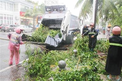 """海南各市县积极抗击台风""""塔拉斯"""""""