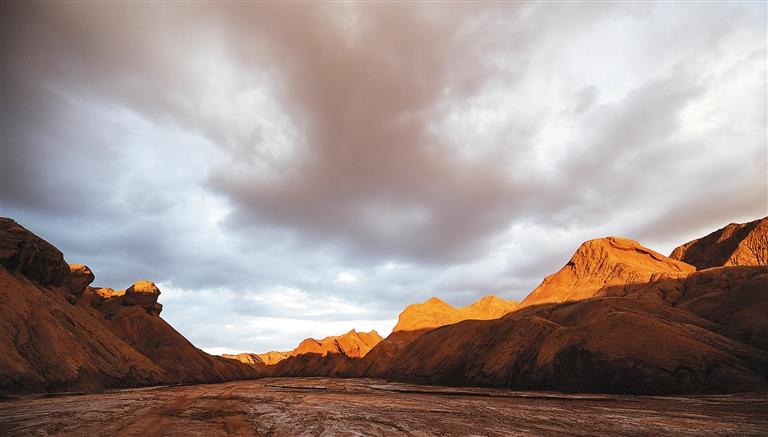 这是位于青海省海西蒙古族藏族自治州红崖地区的模拟火星基地.