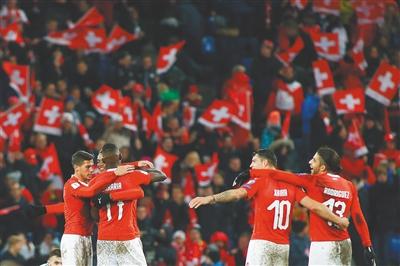 年世界杯足球赛欧洲区预选赛附加赛次回合较量均以0:0告终,首回合