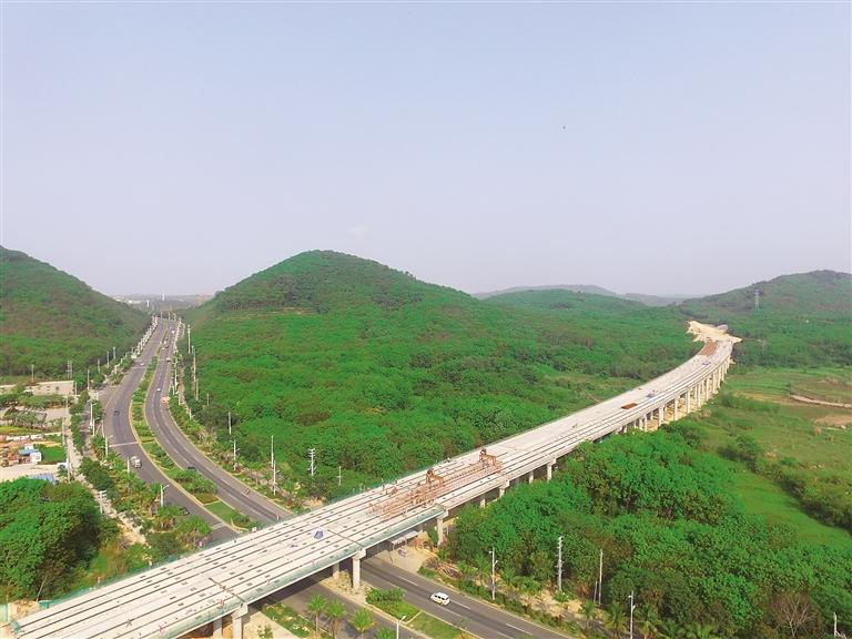海南日报数字报-万洋高速:绿色公路拥抱绿水青山