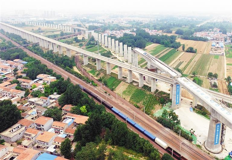 商合杭高铁上跨既有陇海铁路连续梁转体成功