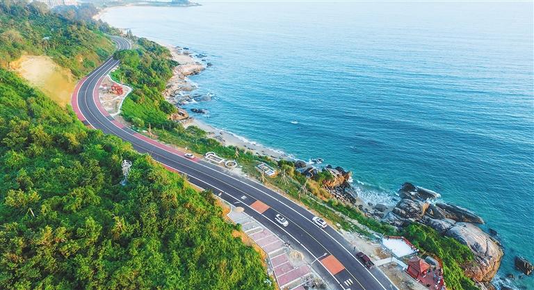 万宁滨海旅游公路.